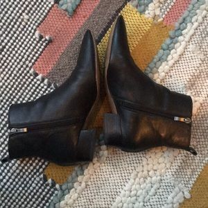 Franco Sarto Black Pointed Toe Zip Booties